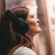Bose.ca: Bose QuietComfort 35 Wireless Noise-Cancelling Headphones, Factory Renewed $249.99 (regularly $399.99)