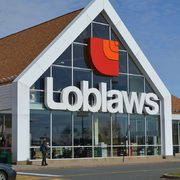 Loblaws Flyer: Lean Ground Beef $2.99/lb, Chicken Drumsticks or Thighs $6.00, Farmer's Market 10lb Russet Potatoes $2.99 + More